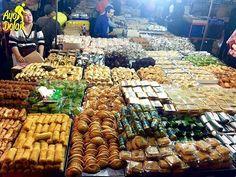 Blok M Square, Jakarta Selatan  Waaww tiap bulan ramadhan gini banyak pedagang musiman yang jual takjil dimana-mana. Menjual berbagai macam makan khas daerah di indonesia  Alhamdulillah, selamat berbuka   Foto dari @anchawedding  #ayoberbuka #ayodolan