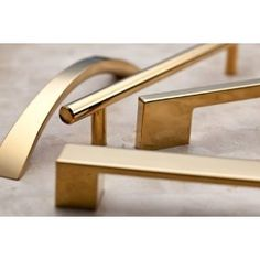 Atlas Homewares A826-GP Successi Collection 8.68-Inch Thin Square Rail Pull, PVD Polished Gold $18.44