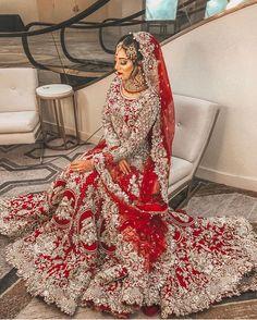 New indian wedding wear royals Ideas Desi Wedding Dresses, Asian Bridal Dresses, Asian Wedding Dress, Pakistani Wedding Outfits, Indian Bridal Outfits, Wedding Wear, Blue Wedding, Designer Bridal Lehenga, Indian Bridal Lehenga