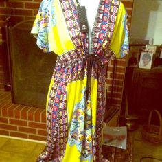 Very pretty spring and summer dress NWT PRINT DRESS CHIFFON AND SILK COMFORTABLE TRIBAL PRINT GREAT DRESS FOR SUMMER CRUISES BEACH AND WORK LOVELY NEW DRESS AS ANSELF Dresses Midi