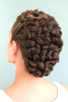 hair styles for curly hair up half down wedding hair wedding hair hair styles for shoulder length hair wedding hair dos hair jewellry wedding hair hair curls Braided Hairstyles Updo, Up Hairstyles, Pretty Hairstyles, Wedding Hairstyles, Braided Updo, Prom Hair Updo, Hair Dos, Curly Hair Styles, Natural Hair Styles