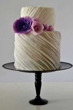 We Never Knew Love Until We Saw These Pleated Wedding Cakes  #purewow #trends #wedding #cake