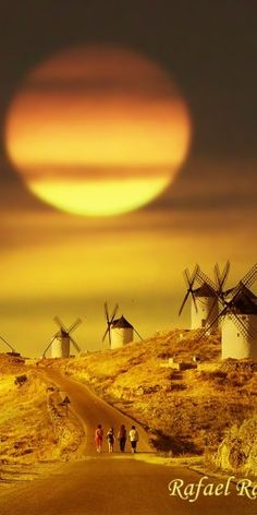 Molins de vent de Consuegra Toledo, Spain - Might go tilting at some 'giant' windmills :D