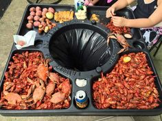 Crawfish & Seafood Season is upon us! Make EVERY Boil A Breeze To Clean-Up. This an essential purchase, for making the perfect tailgating party and crawfish boil supplies. Crab Boil Party, Crawfish Party, Seafood Party, Fish Fry Party, Crawfish Season, Seafood Boil Recipes, Seafood Dishes, Cajun Seafood Boil, Seafood Platter