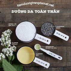 1 chén muối biển ½ chén dầu hạnh nhân 6 giọt tinh dầu hoa phong lữ 5-10 nụ hoa oải hương