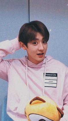 chanyeol live lockscreen ㅡ 200219 Foto Chanyeol Exo, Chanyeol Cute, Kpop Exo, Kyungsoo, Kris Wu, Cute Baby Wallpaper, Exo Lockscreen, Wallpaper Lockscreen, Chanbaek