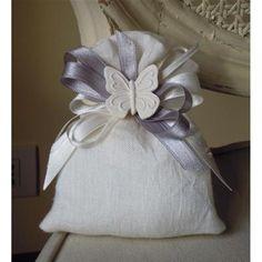 Saccotto puro lino bianco con fiocchi e farfalla Mathilde M. - Le Mani Sanno