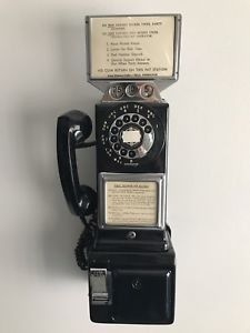 Old PHONES Vintage Antique Telephones Pay Phone Novelty Rotary Black for sale online Telephone Booth, Vintage Telephone, Duck Wallpaper, Old Phone, Classic Looks, Landline Phone, Vintage Antiques, 1970s Cartoons, Creeper