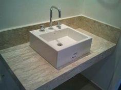 Lavatório em mármore travertino