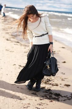 Black Maxi Skirt + white sweater + skinny belt - for winter Simple