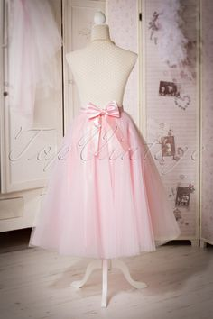 TopVintage Boutique Collection ~ 50s Jocelyn Fairytale Skirt in Pink