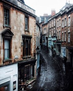 Dear old architecture. Something about the way they look and take pictures is just . Cantilever Architecture, Architecture Old, Beautiful World, Beautiful Places, Beautiful Pictures, Places To Travel, Places To See, England And Scotland, Somerset England