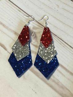Earrings Diy 3 Tier Glitter Earrings – Clemmie and Jo - 3 Tier Glitter Earrings - Red Silver and Blue - Lead and nickel compliant - Three layers - Fishhook back Diy Leather Earrings, Striped Earrings, Diy Earrings, Leather Jewelry, Earrings Handmade, Handmade Jewelry, Diy Glitter Earrings, Glitter Crafts, Glitter Wine