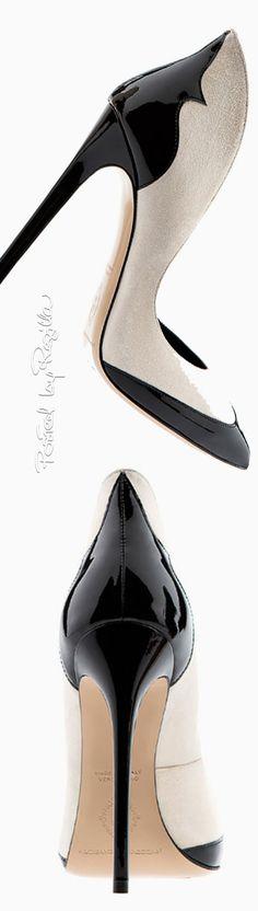 Essence of Fashion ~ Opulent Look ✦ Accessory ✦ Regilla ⚜ Aleksander Siradekian ✦ from my board: https://www.pinterest.com/sclarkjordan/essence-of-fashion-~-opulent-look/