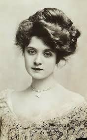 pompadour hair circa 1900-1908