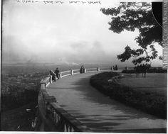 Le belvédère, parc du Mont-Royal, Montréal, QC, 1916, Wm. Notman & Son, 1916, 20e siècle // The Lookout, Mount Royal Park, Montreal, QC, 1916  Wm. Notman & Son, 1916, 20th century