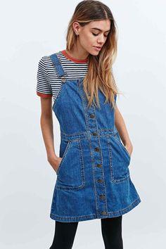 Cooperative – Latzkleid aus Jeansstoff in Blau - Urban Outfitters Denim  Dungaree Dress b7fa3bab3