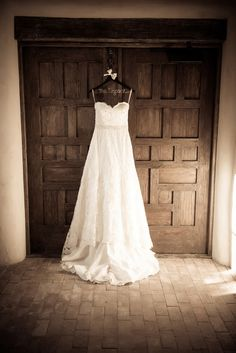 Bluefire {photo & video graphy} - 	San Antonio Photographers - Wedding dress photography