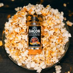 The World's Best Popcorn Seasoning Use Deliciou's Vegan Bacon Seasoning to flavour your popcorn into a mouthwatering deliciousness! Discover and buy Deliciou's vegan Bacon Seasoning by clicking on the pin. Bacon Seasoning, Popcorn Seasoning, Appetizer Recipes, Snack Recipes, Cooking Recipes, Popcorn Recipes, Partys, Food Dishes, The Best