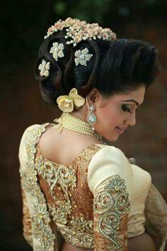 14 Gorgeous Pics of sri lankan wedding saree blouse designs Simple Bridal Hairstyle, Bridal Hair Updo, My Hairstyle, Bride Hairstyles, Black Hairstyle, Hairstyle Wedding, Hairstyle Ideas, Hair Ideas, Sri Lankan Wedding Saree