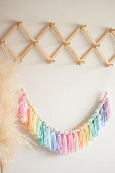 Rainbow Room Kids, Rainbow Bedroom, Rainbow House, Rainbow Nursery, Diy Pompon, Diy Tassel Garland, Tassels, Ombre Yarn, Rainbow Decorations
