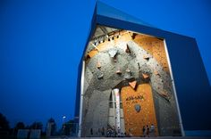 Located in Puurs, Belgium, Klimax puurs climbing gym awes-inspiring architecture leaves little doubt as to why the name 'Klimax' was chosen. Cyriel Verschaevestraat 15, 2870 Puurs, Belgium