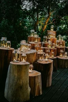 Mason jars have been ruling the mainstream aesthetic for the past few years. But nowhere are Mason jars more prevalent than in the world of weddings. It's #easymasonjar #homedecor