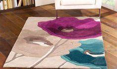 Tappeto con fiori beige viola e azzurro