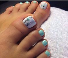 The advantage of the gel is that it allows you to enjoy your French manicure for a long time. There are four different ways to make a French manicure on gel nails. The choice depends on the experience of the nail stylist… Continue Reading → Pretty Toe Nails, Cute Toe Nails, My Nails, Jamberry Nails, Cute Toes, Toe Nail Color, Toe Nail Art, Nail Colors, Nail Nail