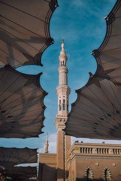 Islamic Wallpaper Iphone, Quran Wallpaper, Mecca Wallpaper, Islamic Quotes Wallpaper, Wallpaper Backgrounds, Wallpapers, Beautiful Wallpaper, Mekka Islam, Motifs Islamiques