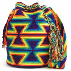 15 May 2018 Modelos de bolsos 50 Views 15 May 2018 Models of bags 50 Views Art Guajiro – Mochilas Wayuu, crafts from Colombia: Mochila Wayuu … Wayuu bags Tapestry Crochet Patterns, Crochet Stitches Patterns, Mochila Crochet, Tapestry Bag, Boho Bags, Crochet Purses, Knitted Bags, Handmade Bags, Crochet Projects