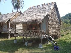 My ideal getaway. Stay in a hut at the beach.