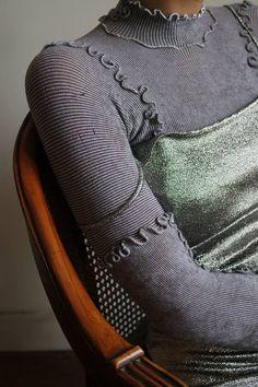 bluza elastica cu triploc pe fata