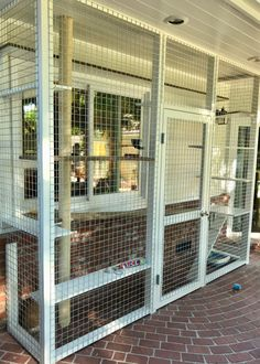 Discover recipes, home ideas, style inspiration and other ideas to try. Outdoor Cat Enclosure, Patio Enclosures, Cage Chat, Outdoor Cats, Outdoor Cat Cage, Diy Cat Tent, Cat Fence, Cat Cages, Cat Run