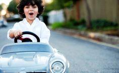 10 Recomendaciones para aprender a manejar - #TipsViales #Seguridad #Manejar  » Frenar el carro con tiempo.  » Frenar el carro en bajadas. » Arrancar en subidas.  » Sentarnos correctamente.  » Colocar espejos en posición correcta.  » Escoge un lugar para practicar.  » Practicar habitualmente.  » Conocer el carro.  » Conocer la carretera.  » Cambiar recorridos.