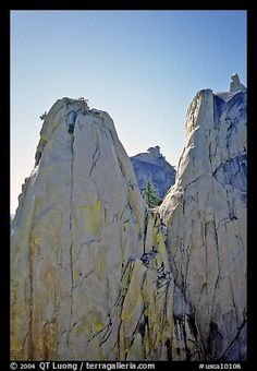Granite spires, the Needles, Sequoia National Forest. California, USA (color)