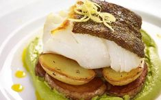 Cod With Pea Puree Blender Recipes, Pureed Food Recipes, Traditional Fish And Chips, Mushy Peas, Mint Sauce, Fresh Mint, The Dish, Organic Recipes