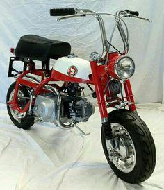 Honda Z50 Minitrail Minibike Old School Motorcycles, Small Motorcycles, Honda Motorcycles, Custom Mini Bike, Honda Cub, Japanese Motorcycle, Motor Scooters, Cool Gear, Kids Bike