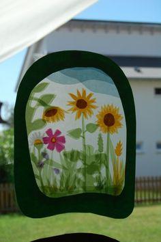 Zijdevloei papier bijvoorbeeld tussen lamineerplastic. Prachtig effect!    AK.  August ~ Sunflowers ~ Window Transparency