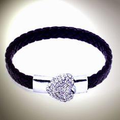 Pulsera Brazalete Cuero Trenzado, diamante imitación y cierre magnético...