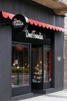 #DonFoodie es tu tienda gourmet de #Oviedo #Asturias Barber Shop Interior, Coffee Shop Interior Design, Coffee Shop Design, Restaurant Interior Design, Cafe Design, Cake Shop Design, Decoration Restaurant, Cafe Exterior, Coffee Shop Bar