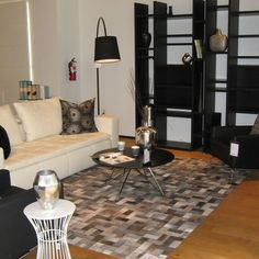 Patchwork Cowhide Rug Design, Pictures, Remodel, Decor and Ideas - page 37