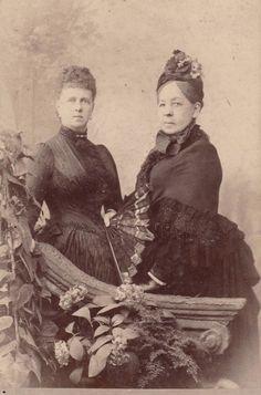 Duchess Marie of Edinburgh and company. 1880s