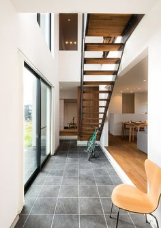 Japanese Lifestyle, Entrance Ways, Japanese House, Easy Home Decor, Takachiho, Stairs, House Design, Building, Interior