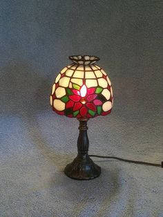 Stained Glass Lamp  Poinsettia Theme  Floral Theme