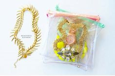 """DIY Clear Pouches // 5 """"DIY & BUY"""" Jewelry Cases for Travel // simplyspaced.com"""
