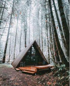 Sky Haus - A-Frame Cabin - Chalets for Rent in Skykomish, Washington, United States A Frame Cabin, A Frame House, Ideas Cabaña, Cabins And Cottages, Log Cabins, Cabin Homes, Cabins In The Woods, The Great Outdoors, Future House