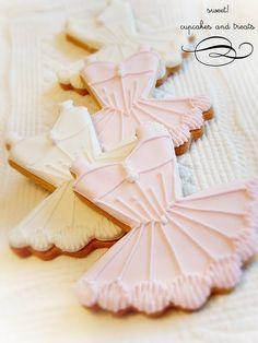 Pretty ballerina cookies.
