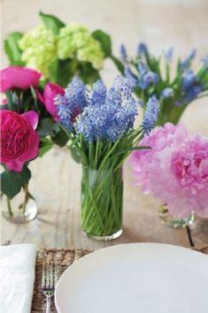 simple floral centerpiece