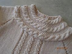 Ravelry: Anne B Hanssen'ın Neredeyse Beğeneni Mama elbisesi desen Crochet For Kids, Crochet Baby, Knit Crochet, Knitted Baby, Knit Baby Dress, Baby Toys, Baby Knitting, Little Girls, Girly